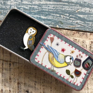 Pin in a Tin- Stitched Birdie- Owl -9035